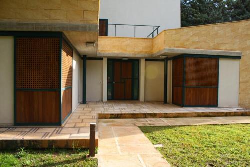 villa - patio - persiane in legno - carabottino